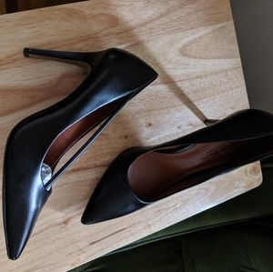 NWT Size 12 Pumps